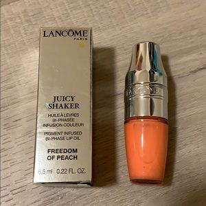 Lancome Juicy Shaker Lip Oil 142 Freedom of Peach